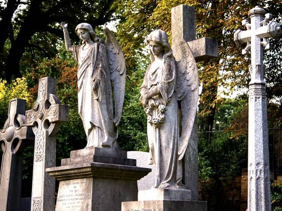Highgate Cemetery East
